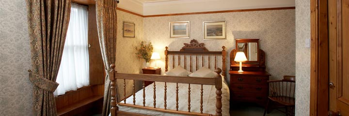 A double room at 2 Quail bed and breakfast