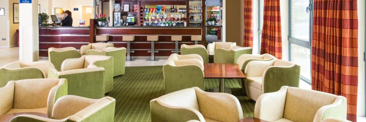 The lobby bar and lounge at the Holiday Inn Express Dunfermline