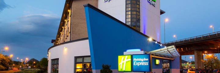 An exterior view of the Holiday Inn Express Glasgow Airport