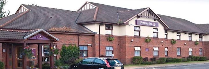 An exterior view of the Premier Inn Glasgow Bellshill hotel