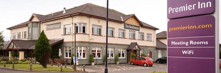 An exterior view of the restaurant/bar by the Premier Inn Glasgow Milngavie hotel