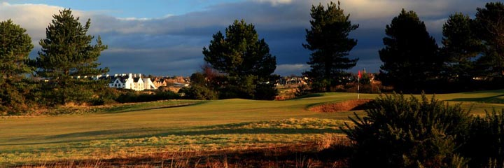 The 15th hole on the Buddon course at Carnoustie Golf Links