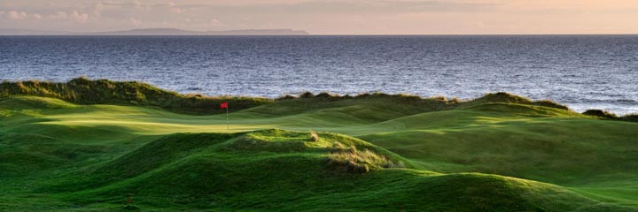 The 11th hole at Machrihanish Dunes golf links