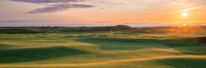 The 2nd hole at Machrihanish Dunes golf links