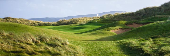The 14th hole at Machrihanish Dunes golf links