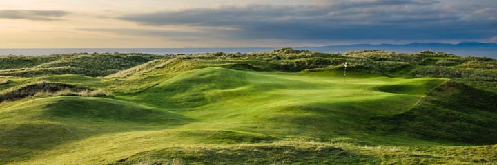 The 17th hole at Machrihanish Dunes golf links