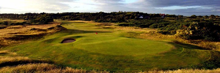 The 12th hole of the Old course at Royal Troon Golf Club